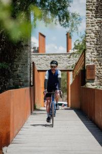 Dans les rues d'Alençon - Une aventure à vélo en Normandie avec Mathieu Tordeur